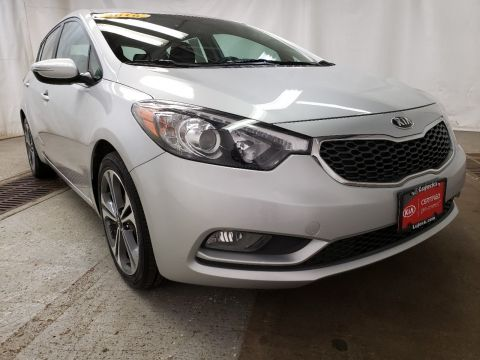 Certified Pre-Owned 2016 Kia Forte 5-Door EX